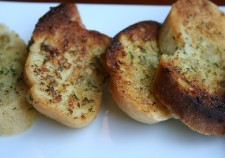 garlic-bread-661578_640