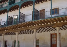 soportales_de_la_plaza_mayor_de_chinchon